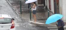 Photo: Retour des orages et de la pluie pour l'ouverture des cafés/restaurants